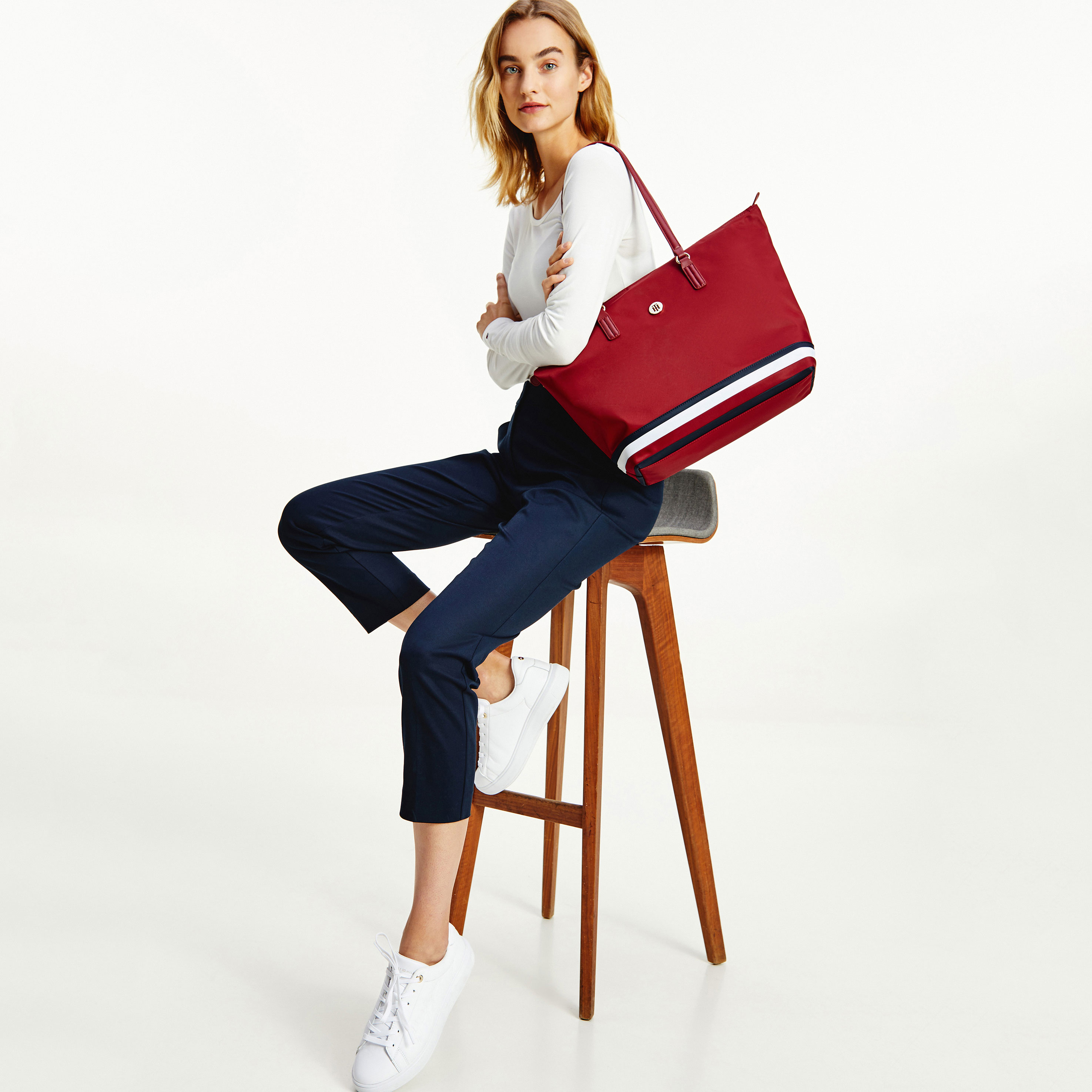 TOMMY HILFIGER Marroquinería Bolso Poppy Tote Corp AW0AW10437-XIT